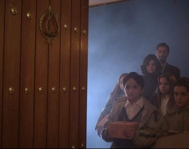 8, Trailer